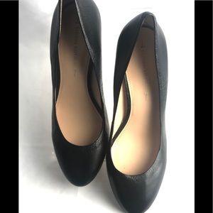 "BANANA REPUBLIC black leather 3"" heel round toe 10"